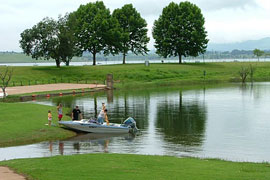Spend a day at the Midmar Dam