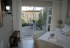 Garden Room Bed