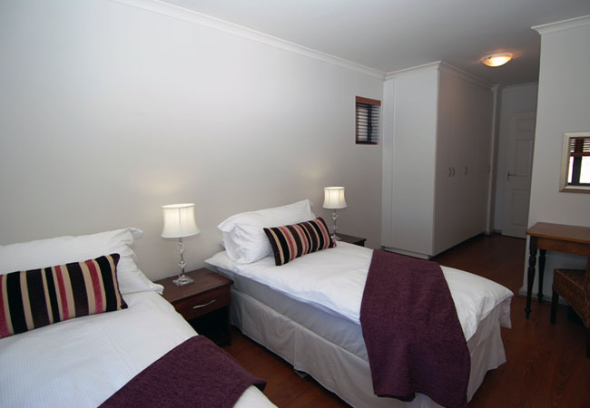 Bedroom, can be set up as Twin beds or King size configuration
