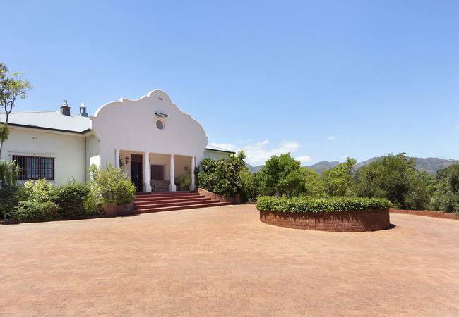 Vineyard M House entrance