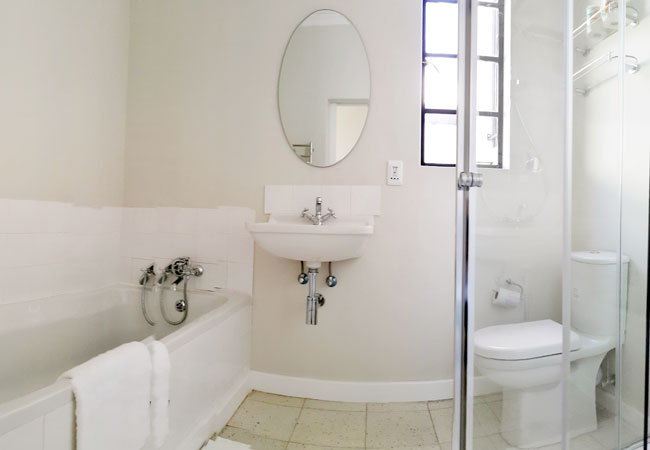 Master bedroom full bathroom
