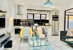 Deluxe Apartment 2