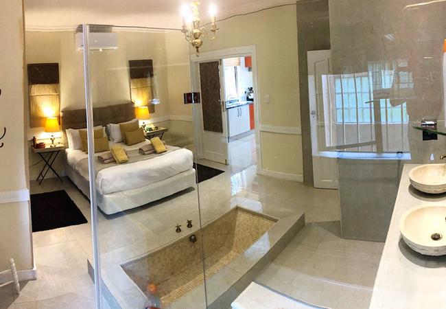 Orange Suite bathroom