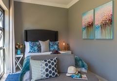 Lily Queen Suite