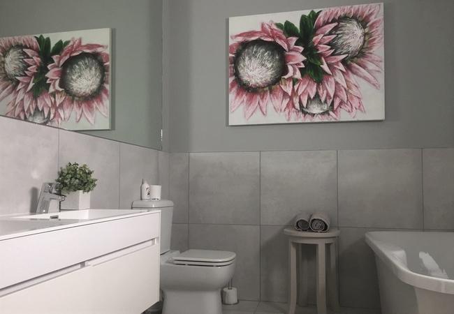 Protea King Suite