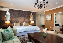 Luxury King Family Room