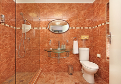 Twin en-suite bathroom