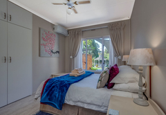 Rainier Suite bedroom 1