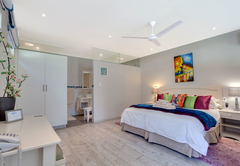 Maraschino Suite
