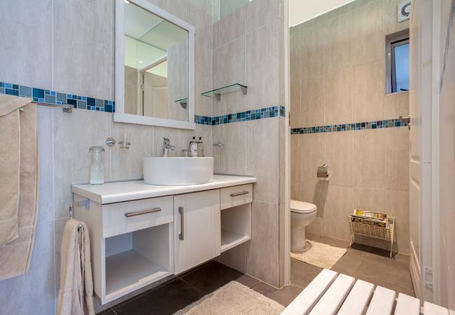 Maraschino\'s bathroom