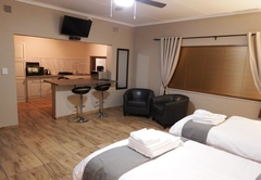 5B Self Catering Twin Room
