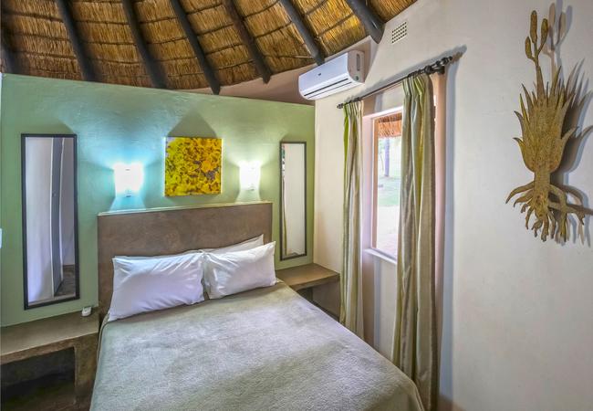 River Unit - Main bedroom