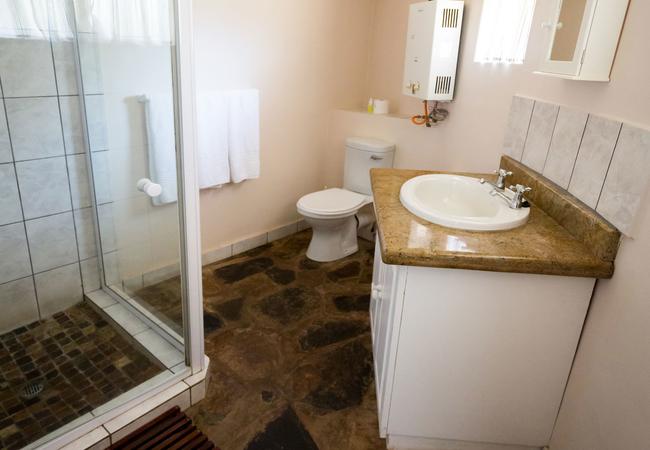 Garden Unit - Bathroom