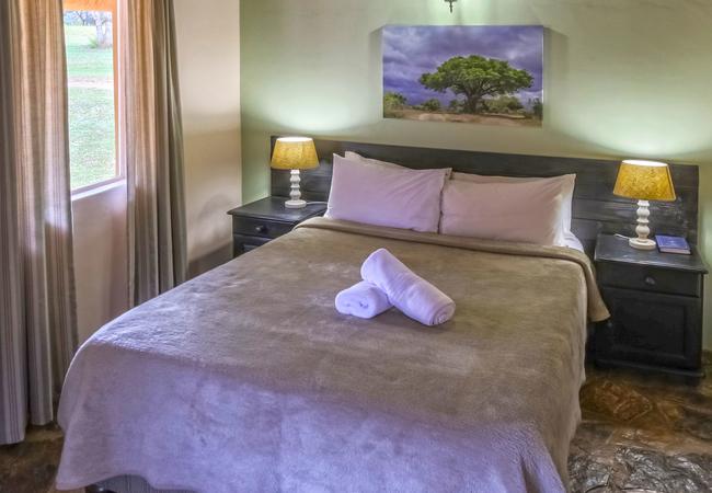 Garden Unit - Main bedroom