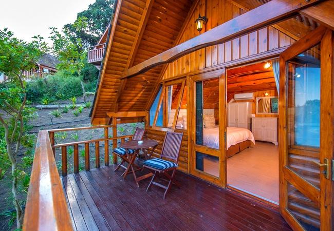 Semi-Detached Log Cabin - Walk in Shower