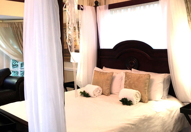 Deluxe Room with shared bathroom