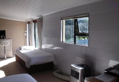 ACDC Self Catering