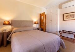 Room Davis