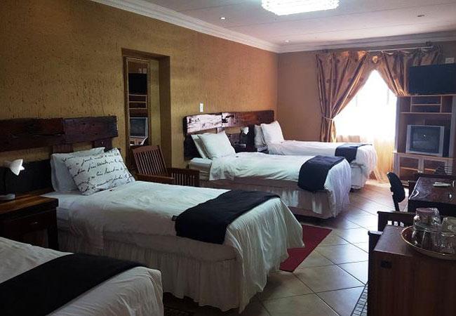 Family Luxury Room 4 Single Bed