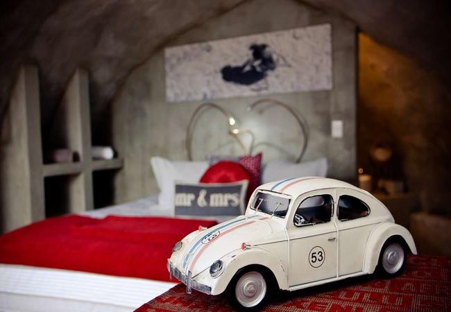 Dung Beetle Queen Bed Suite