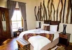 Addo Ndebele Palace Bush Lodge