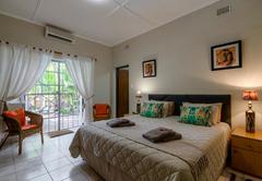 Luxury King Bed Room 2