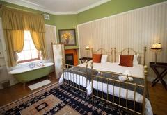 Room 5: Garden King Deluxe Room