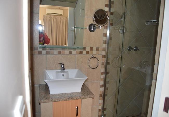 De Bron Bathrooms
