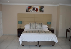 De Bron Family Room Self Catering
