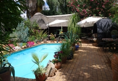 Self Catering in Green Kalahari