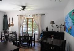 A La Mer Guest House