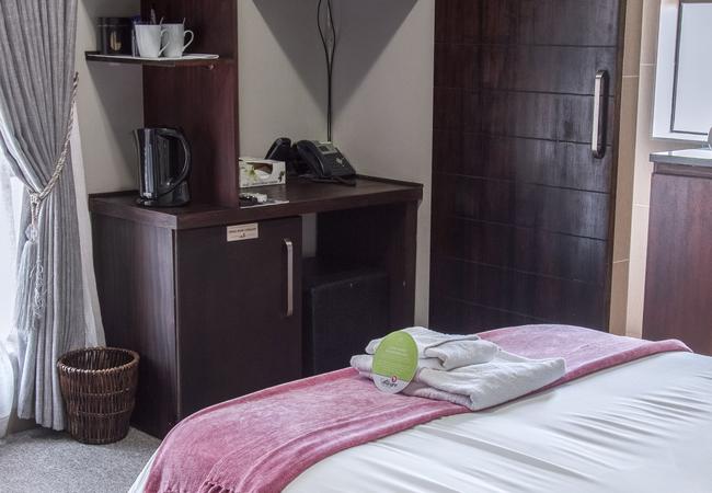 Shozaloza Room