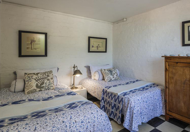 2 single beds downstairs