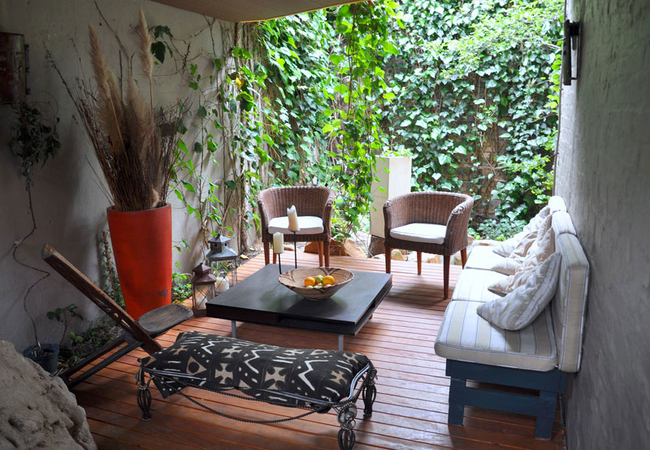 Chill out area behind the Loft