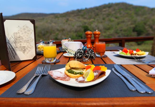 Dining at AmaKhosi Safari Lodge