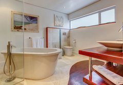 Kingfisher Pool Suite