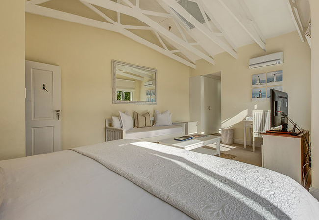 Loerie Suite