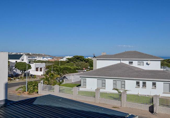 Seaview Apartment 6