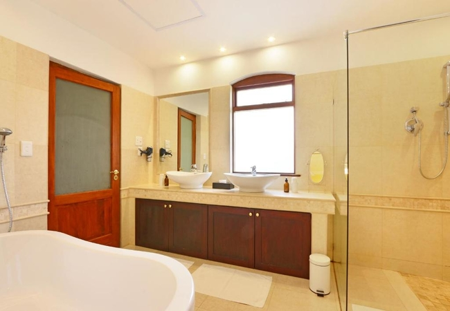 Muscat and Burgundy Rooms
