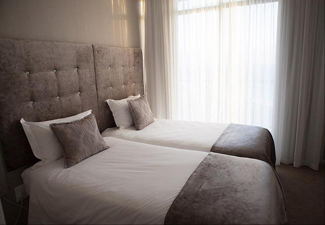 Three Bedroom Luxury Suite - 5 Sleeper