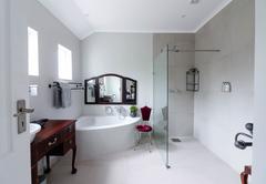 King Protea Bathroom