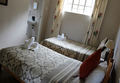 Mountain Facing Self-Catering Cottage - Pet-friendly!