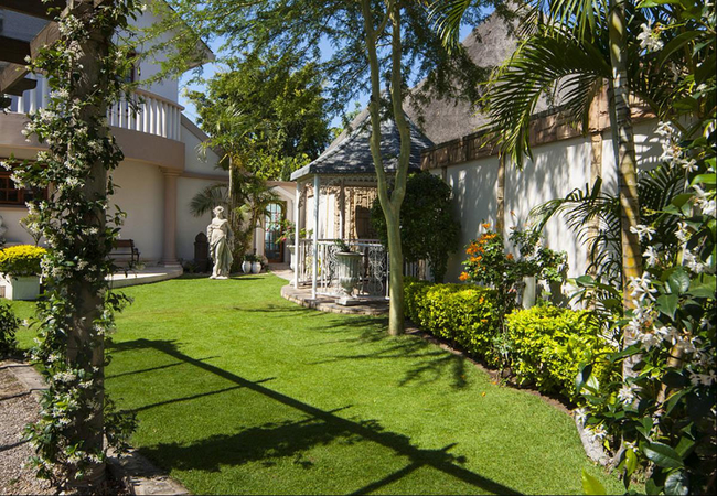 Aristo Manor Guest House