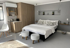 Winch Way Studio Apartment