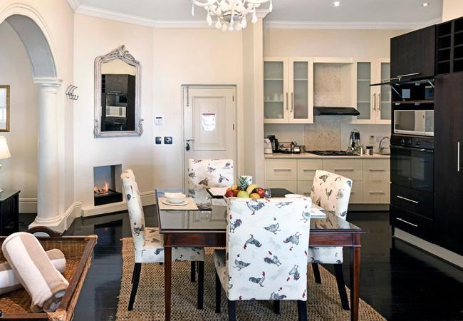 Luxury Huguenot Suite