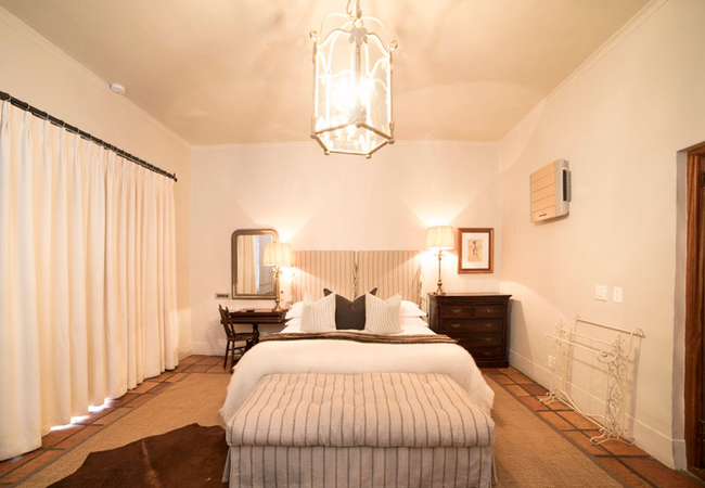 Superior Room - Safari bedroom