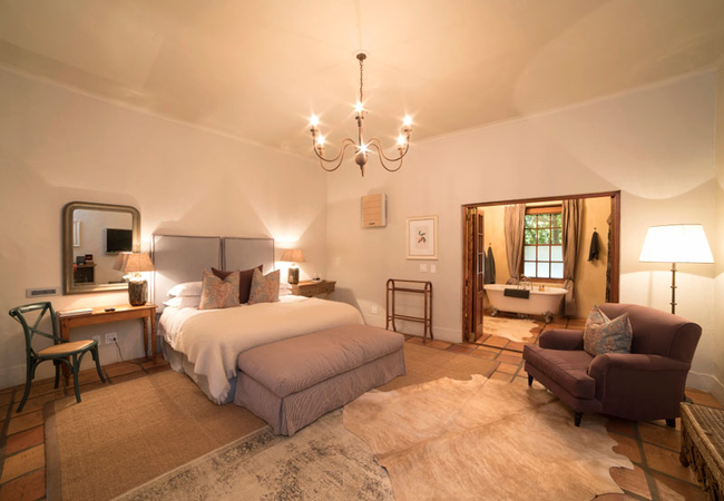 Superior Rooms - Winelands bedroom