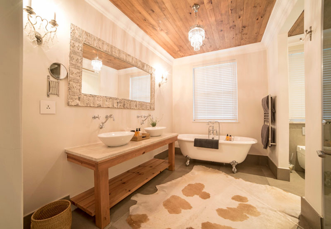 Superior Deluxe Rooms - Le Rouge bathroom