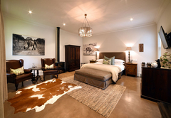 Superior Deluxe Rooms - Ndlovu bedroom