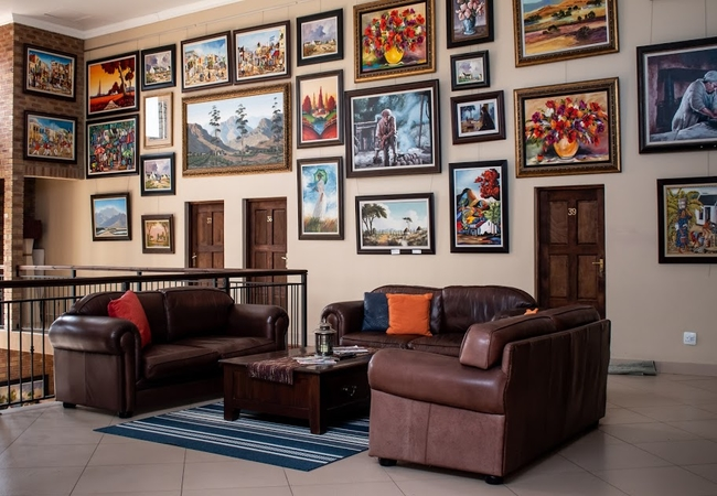 Lounge and Art Gallery